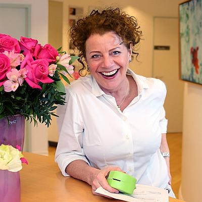 am Empfang my-smile Fachpraxis für Kiefderorthopädie, Hauptstraße 101-105, 45219 Essen-Kettwig